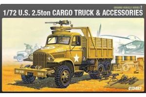 Model Kit military 13402 - US CARGOTRUCK & ACCESSORY (1:72)