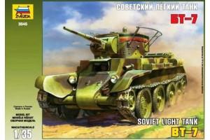 BT-7 Soviet Tank (1:35) - 3545