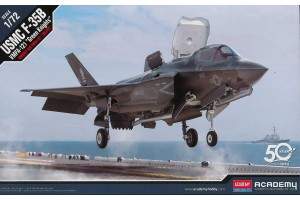 "Model Kit letadlo 12569 - USMC F-35B VMFA-121 ""Green Knights"" (1:72)"